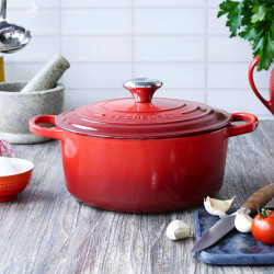 Cocotte Evolution Le Creuset redonda color cereza