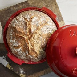 Tu pan horneado con el horno Clásico para pan Emile Henry
