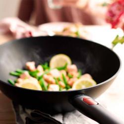 Cocinando con un wok Woll Eco LIte
